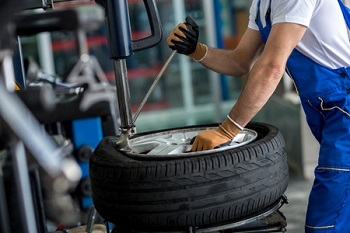 Mounting Tire Service